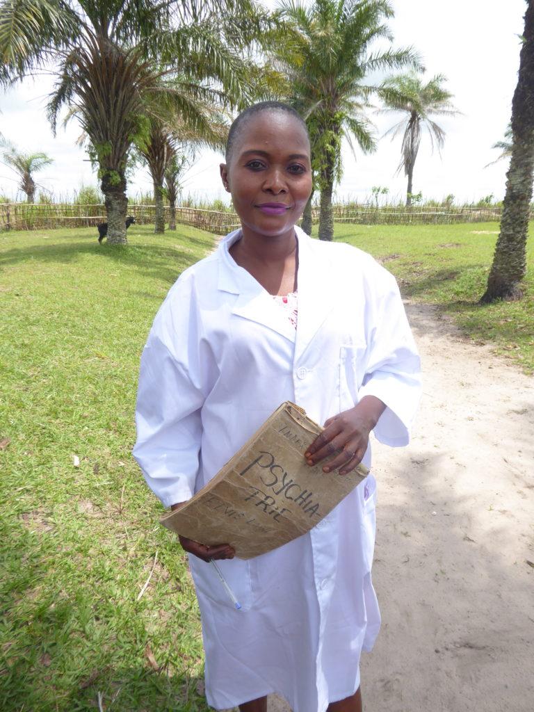 verloskundige in het gezondheidscentrum van Katenda